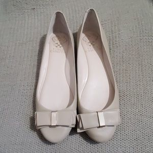 Nude Vince camuto flats